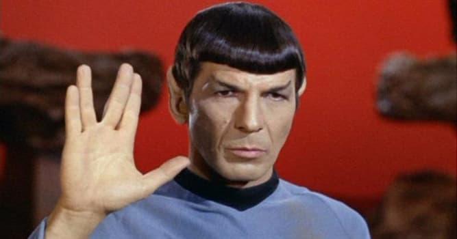 Filmy Pytanie-Ciekawostka: Co oznacza słynny gest wykonywany przez Spocka?
