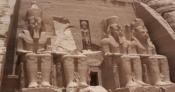 historia Pytanie-Ciekawostka: Dlaczego świątynie Abu Simbel w Egipcie zostały przeniesione pod koniec lat sześćdziesiątych?