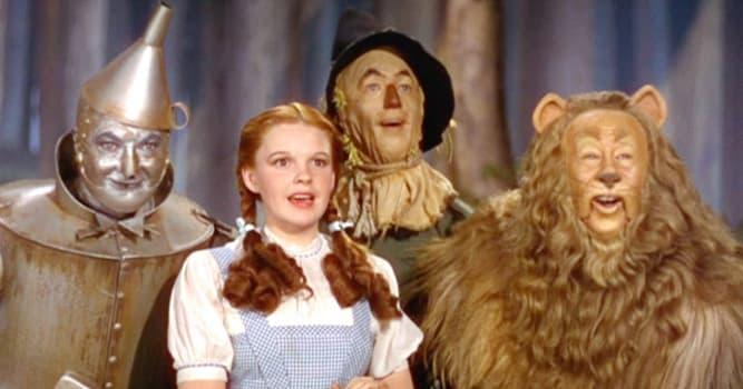"""Filmy Pytanie-Ciekawostka: Jak ma na nazwisko Dorotka z """"Czarnoksiężnika z Oz""""?"""