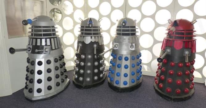 Filmy Pytanie-Ciekawostka: Jak miał na imię szalony naukowiec, który stworzył Daleków sprawiających kłopoty dla Doktora Who?