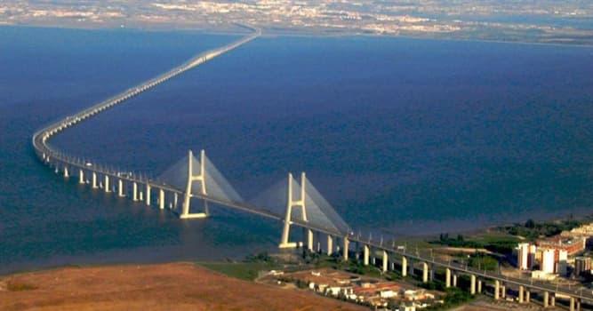 Geografia Pytanie-Ciekawostka: Jak nazywa się najdłuższy most wodny w Stanach Zjednoczonych, znajdujący się w stanie Luizjana?
