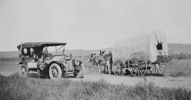 historia Pytanie-Ciekawostka: Która już nieistniejąca firma pierwotnie produkowała kryte furmanki zanim przeszła na produkcję samochodów?