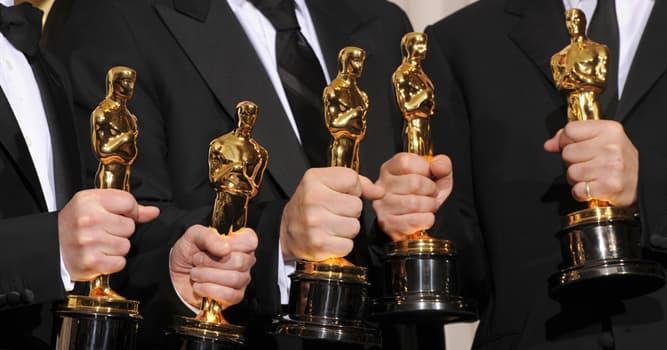 Filmy Pytanie-Ciekawostka: Który aktor prowadził galę oscarową rekordowe 19 razy?