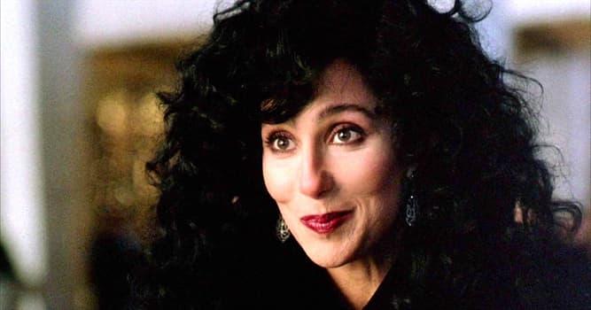 """Filmy Pytanie-Ciekawostka: Który aktor zagrał rolę syna Cher w filmie """"Maska""""?"""