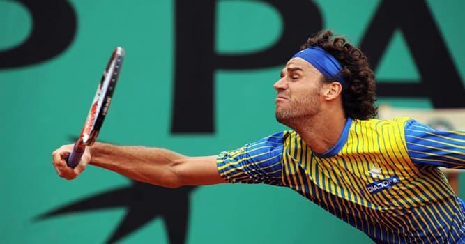 sport Pytanie-Ciekawostka: W którym turnieju Wielkiego Szlema rozgrywanym w Paryżu trzykrotnie zwyciężył tenisista Gustavo Kuerten?