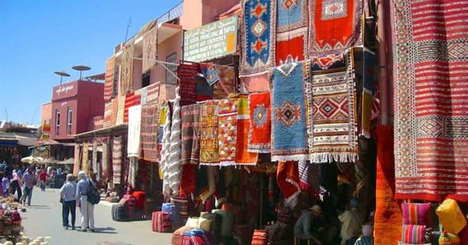 """Geografia Pytanie-Ciekawostka: Które marokańskie miasto jest znane jako """"czerwone miasto"""" ze względu na budynki z gliny w tym kolorze?"""