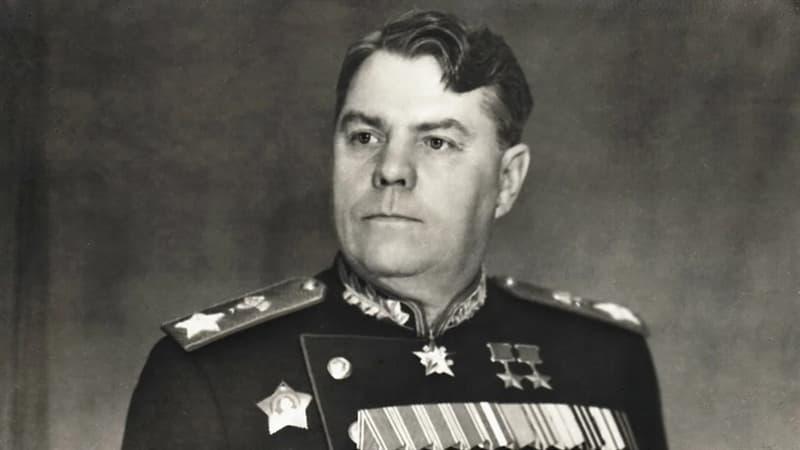 Культура Запитання-цікавинка: Що з перерахованого - державний почесний знак особливої відзнаки військовослужбовців в СРСР?