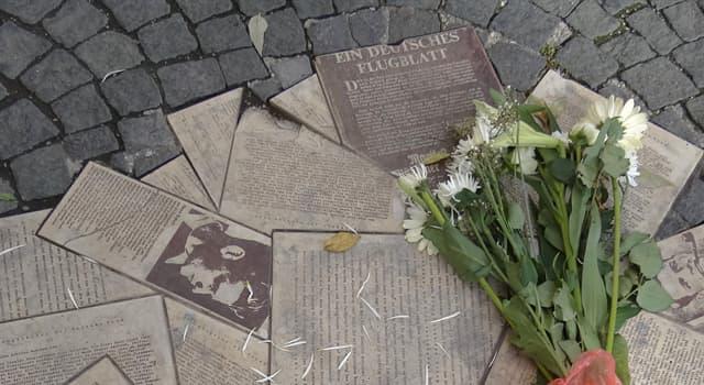 Historia Pregunta Trivia: ¿Cómo se llamaba el grupo de resistencia no-violenta contra el Tercer Reich liderada por estudiantes?