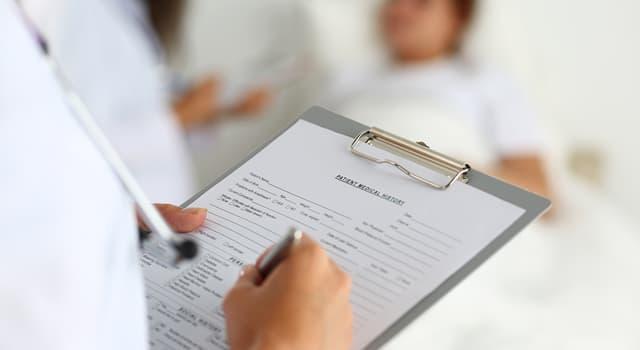 Сiencia Pregunta Trivia: ¿Cómo se llama la información que recopila un especialista de salud del paciente o personas allegadas a este?