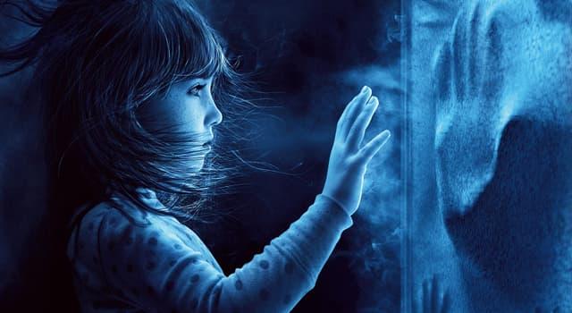 Sociedad Pregunta Trivia: ¿Cuál de las siguientes es una persona que dice poder contactarse con espíritus?