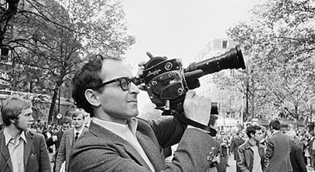 Películas Pregunta Trivia: ¿Con qué largometraje debutó en el cine el director francés Jean-Luc Godard?