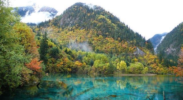 Geografía Pregunta Trivia: ¿En qué año el Parque Nacional de Jiuzhaigou fue declarado Patrimonio Mundial de la UNESCO?