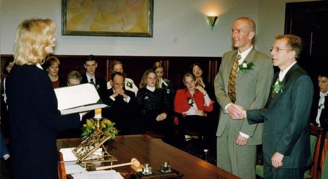 Sociedad Pregunta Trivia: ¿Cuál fue el primer país en aprobar la Ley de matrimonio igualitario?