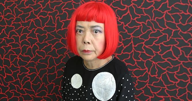 Kultur Wissensfrage: Die Werke der zeitgenössischen japanischen Künstlerin Yayoi Kusama sind wodurch gekennzeichnet?