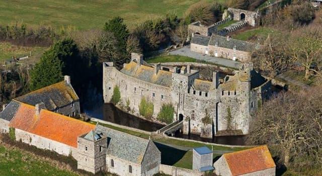 Cultura Pregunta Trivia: ¿Dónde está ubicado el Castillo de Pirou?