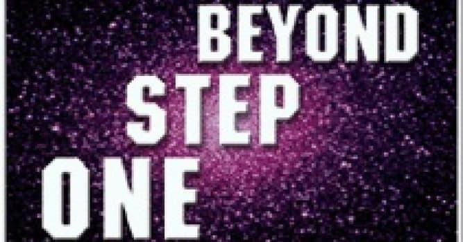 """Películas Pregunta Trivia: ¿En qué año se estrenó en la televisión la serie """"Beyond step one"""" (un paso al más allá)?"""