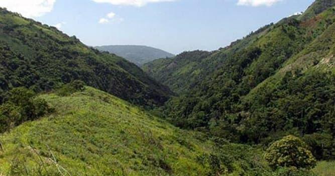 Geografía Pregunta Trivia: ¿En qué país de las Antillas se encuentra la Sierra de Bahoruco?