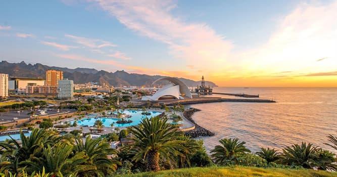 Geografía Pregunta Trivia: ¿Con qué frecuencia el presidente de Canarias debe alternar su sede oficial entre dos capitales?