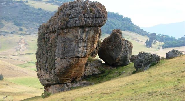 Сiencia Pregunta Trivia: ¿Cómo se llama un bloque de piedra de una sola pieza que posee gran tamaño?