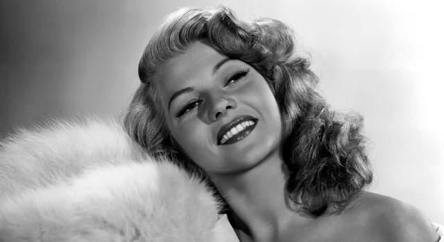 """Películas Pregunta Trivia: ¿Qué debía hacer el personaje interpretado por Rita Hayworth en """"Último chantaje""""?"""