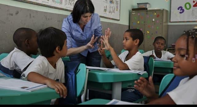 Sociedad Pregunta Trivia: ¿Qué día se celebra el Día Internacional de la Alfabetización?