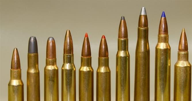 Películas Pregunta Trivia: ¿Qué película contiene la línea: «¿Qué intentas decirme, que puedo esquivar balas?»?