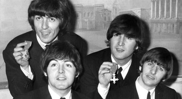 Películas Pregunta Trivia: ¿Qué película para televisión de los Beatles fue estrenada por la BBC en la Navidad de 1967?