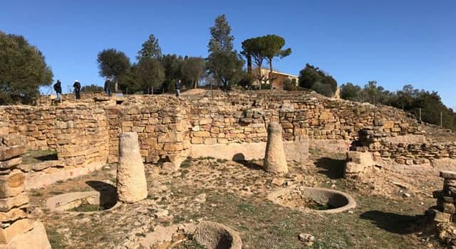 Historia Pregunta Trivia: ¿Qué pueblo habitaba en el poblado del Puig de Sant Andreu d'Ullastret, en Cataluña?