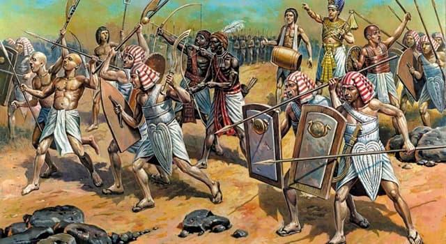 Historia Pregunta Trivia: ¿Qué pueblo invadió Egipto a mediados del siglo XVII a.C. poniendo fin al Reino Medio?