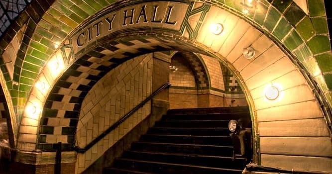 Cultura Pregunta Trivia: ¿Quién construyó y diseñó la estación fantasma, City Hall, del metro de Nueva York, en 1900?