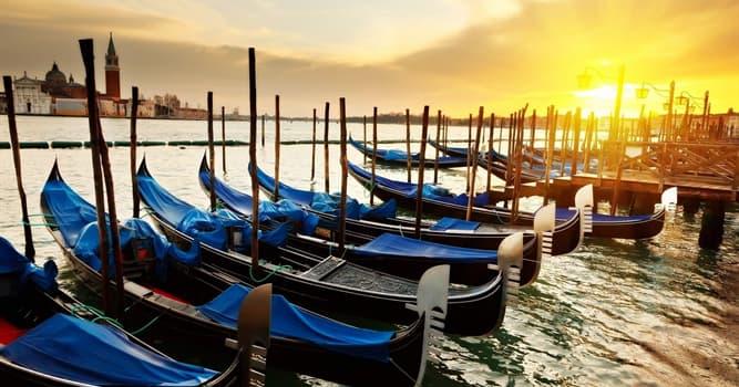 Cultura Pregunta Trivia: ¿Cuándo se celebra la Regata Histórica en Venecia?