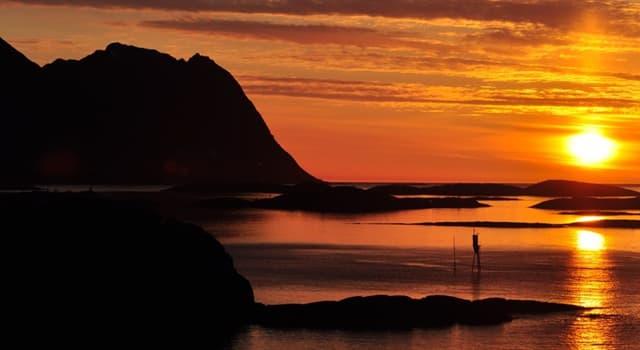 """Geografía Pregunta Trivia: ¿Qué país europeo es conocido como la """"tierra del sol de medianoche""""?"""