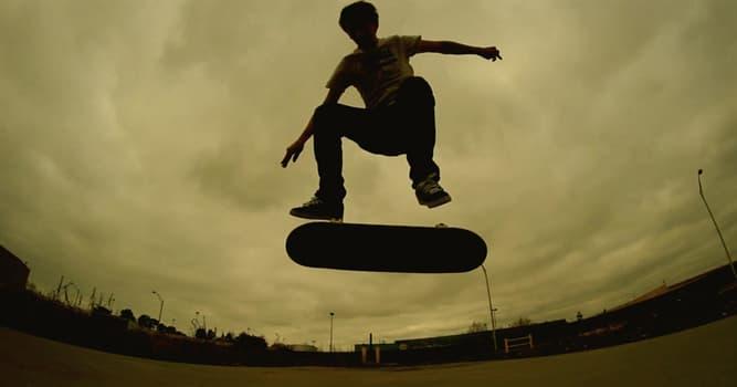 Deporte Pregunta Trivia: ¿Quién fue el primer patinetero en realizar un giro de 900 grados (dos vueltas y media) en el aire?