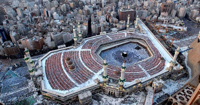 Gesellschaft Wissensfrage: Zu welcher Stadt wenden sich die Muslime, wenn sie beten?