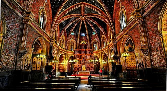 Cultura Pregunta Trivia: ¿A qué estilo arquitectónico pertenece la catedral de Teruel, España?