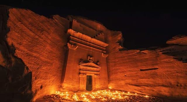 """Geografía Pregunta Trivia: ¿Cómo se llama la """"Petra de Arabia Saudí""""?"""