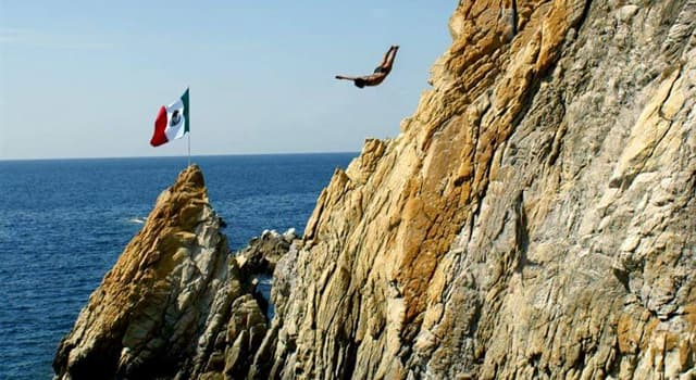 Sociedad Pregunta Trivia: ¿Cuál es la altura máxima para los clavados en la quebrada de Acapulco?