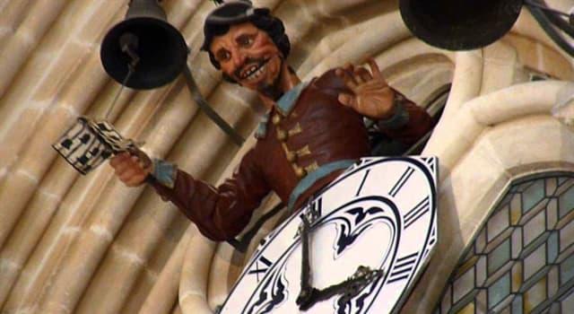 Cultura Pregunta Trivia: ¿En qué catedral española, el autómata de la imagen hace sonar la campana para marcar las horas?