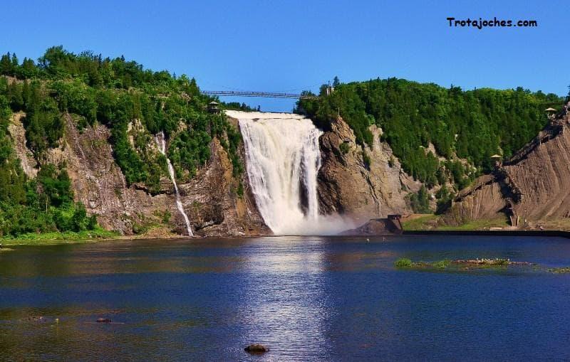 Geografía Pregunta Trivia: ¿En qué país se encuentra la cascada de Montmorency?