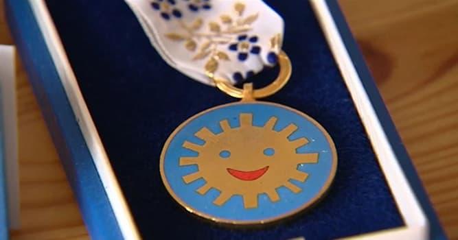 Sociedad Pregunta Trivia: ¿Qué premio internacional es otorgado por niños a adultos que se distinguen por su amor y auxilio a los niños?