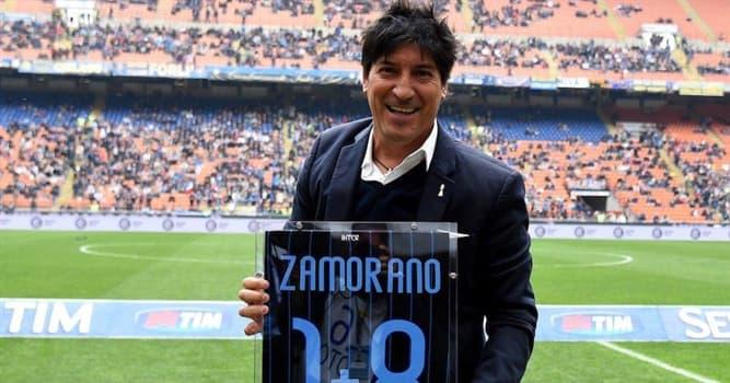 Deporte Pregunta Trivia: ¿Qué números de camiseta usó Iván Zamorano, uno de los mejores delanteros de la historia del fútbol chileno?