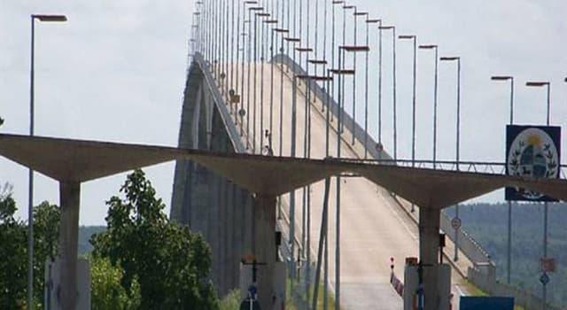 """Geografía Pregunta Trivia: ¿Qué dos países se comunican por medio del """"Puente Libertador General San Martín""""?"""