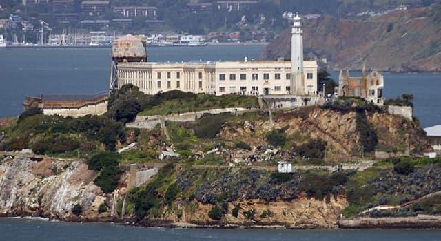 Historia Pregunta Trivia: ¿Qué famoso preso ingresó, el miércoles 23 de agosto de 1934, en Alcatraz?