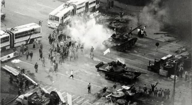 Historia Pregunta Trivia: ¿Qué político lideró la resistencia contra los impulsores del Golpe de Agosto de 1991 en la URSS?