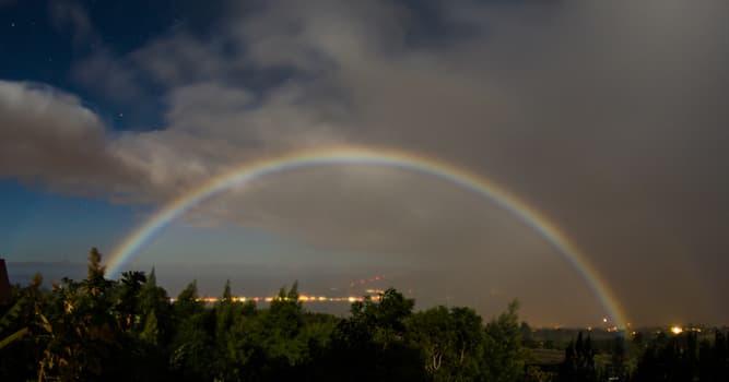 Naturaleza Pregunta Trivia: ¿Cuál es un tipo de arcoíris que se forma a la luz de la Luna?