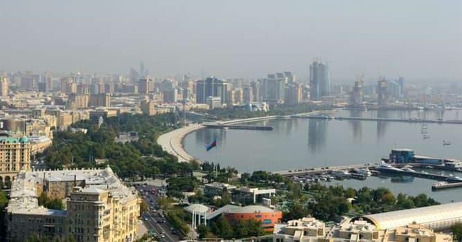 Geografía Pregunta Trivia: ¿Qué ciudad capital está a orillas del Mar Caspio?