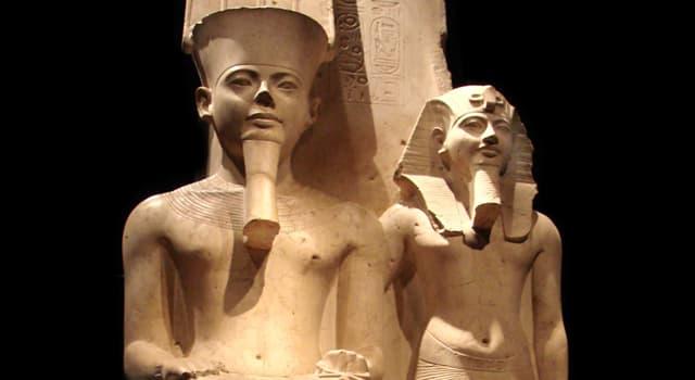 Historia Pregunta Trivia: ¿A qué civilización pertenece la escultura de la imagen llamada Horemheb y Armenia?