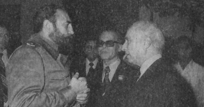 Sociedad Pregunta Trivia: ¿A qué escritor confesó Fidel Castro el secuestro de J.M.Fangio hecho en La Habana?