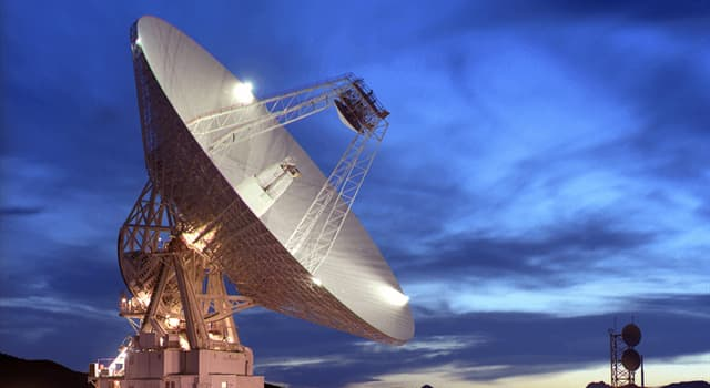 Сiencia Pregunta Trivia: ¿Cómo se comunica la NASA con una nave espacial?