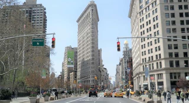 Geografía Pregunta Trivia: ¿Cómo se llama este icónico edificio de Manhattan, Nueva York?